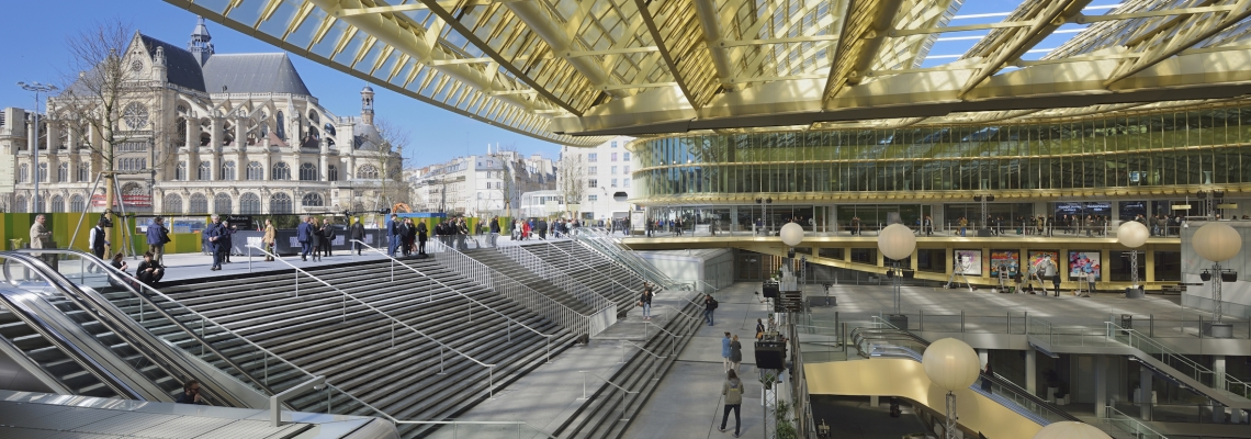 Picture of the main entrance in Paris at Le Forum des Halles shopping centre