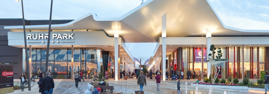 Picture of the entrance of Ruhr Park shopping centre