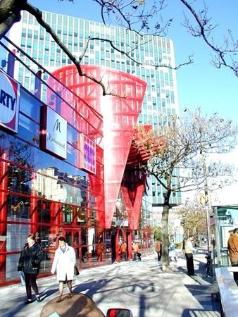 picture of galerie gaité's facade in paris