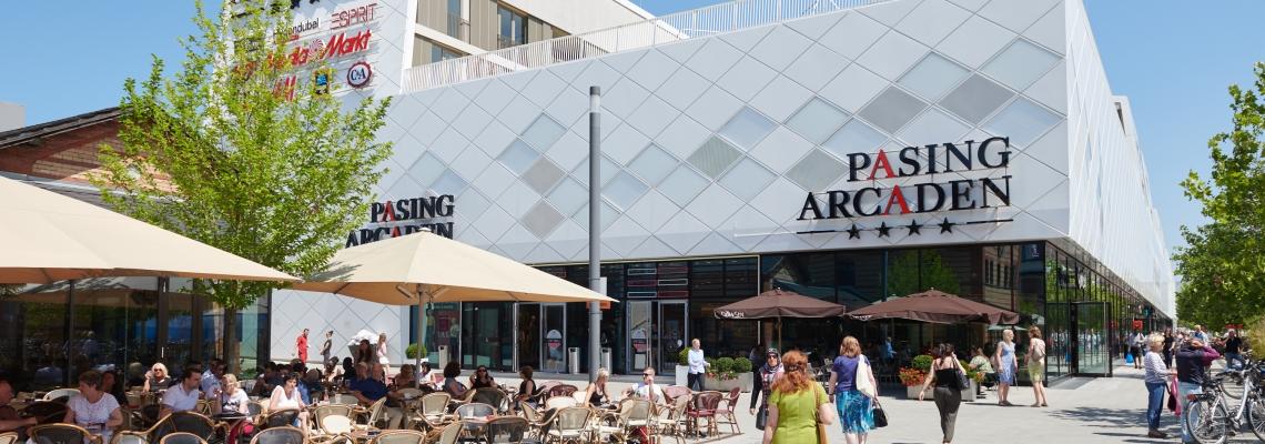 Picture of an escalator un Pasing Arcaden shopping centre