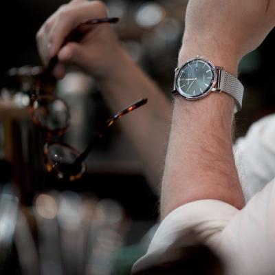 Klocka och glasögon