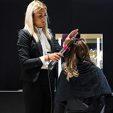 Dysons första Beauty Lab i Sverige har öppnat på nedervåningen